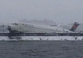 delta air plane crash