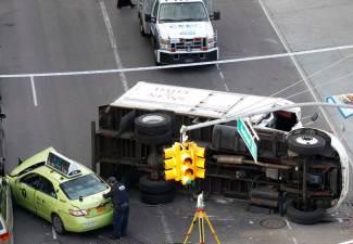 taxi cab crash kills one