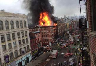 manhatten building fire