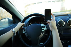 distracted driving, auto accident attorney